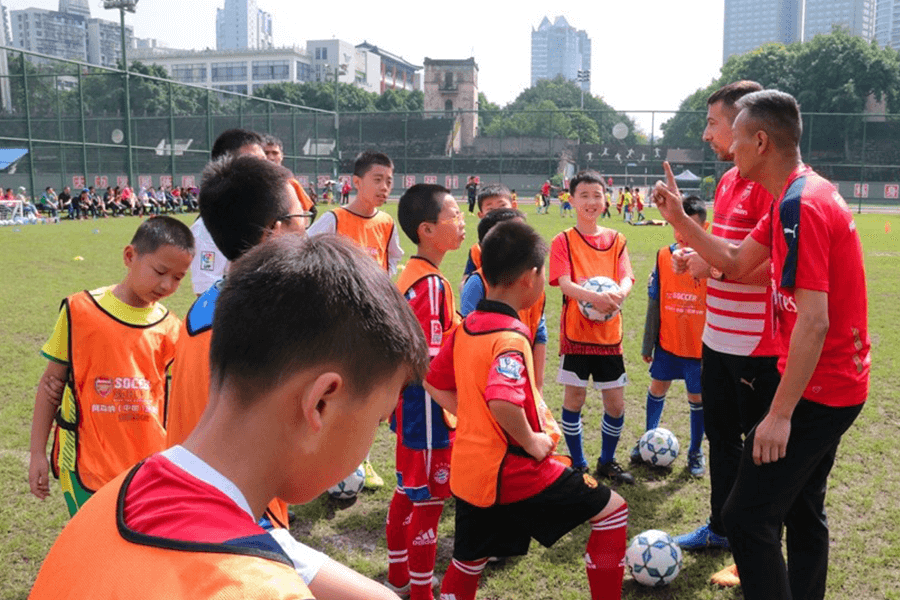 Meerjarige samenwerking op China: PIB programma Football Development West China